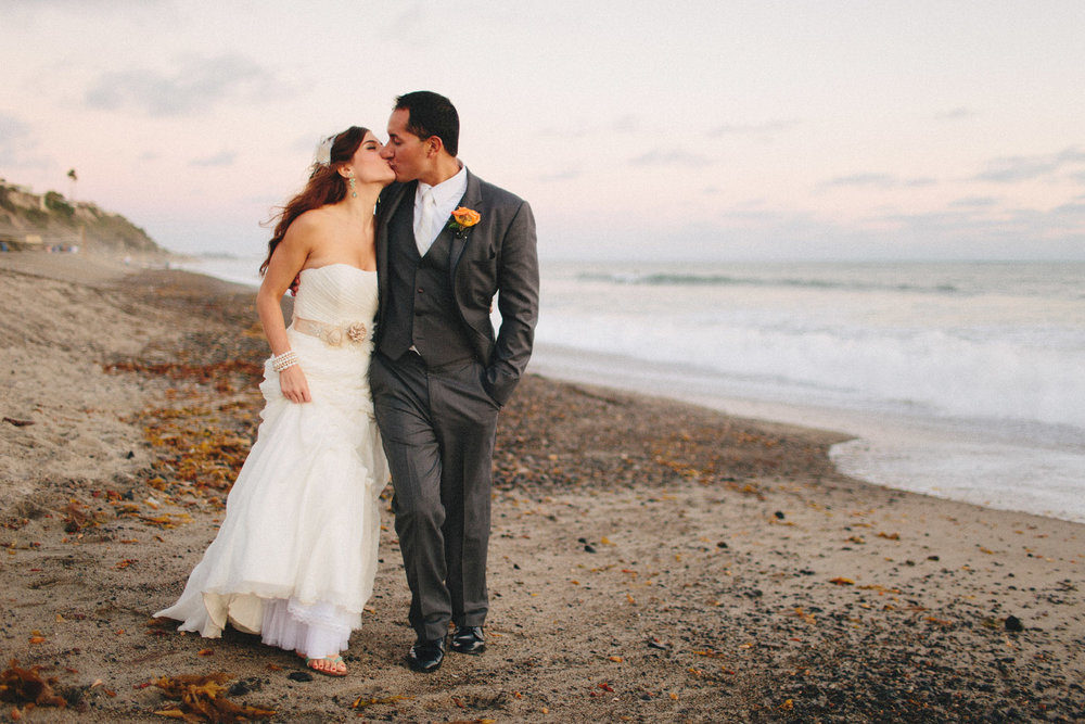 orange_county_beach_elopement_13.jpg