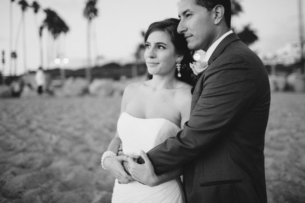 orange_county_beach_elopement_14.jpg