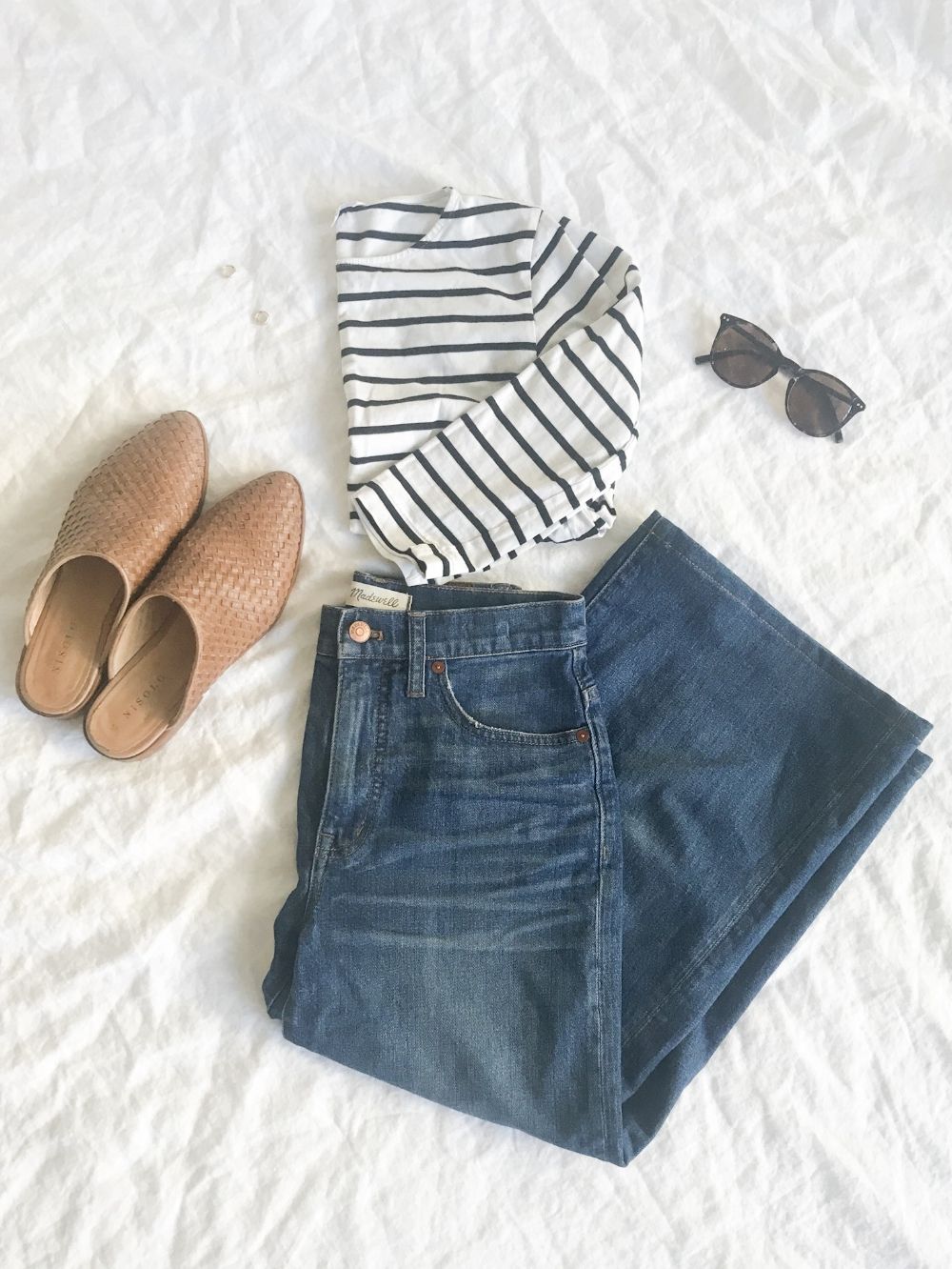 Madewell Wide Crop Jeans, Aritzia Top, Mejuri Earings,  Nisolo Ama Mules , Bailey Nelson Sunglasses