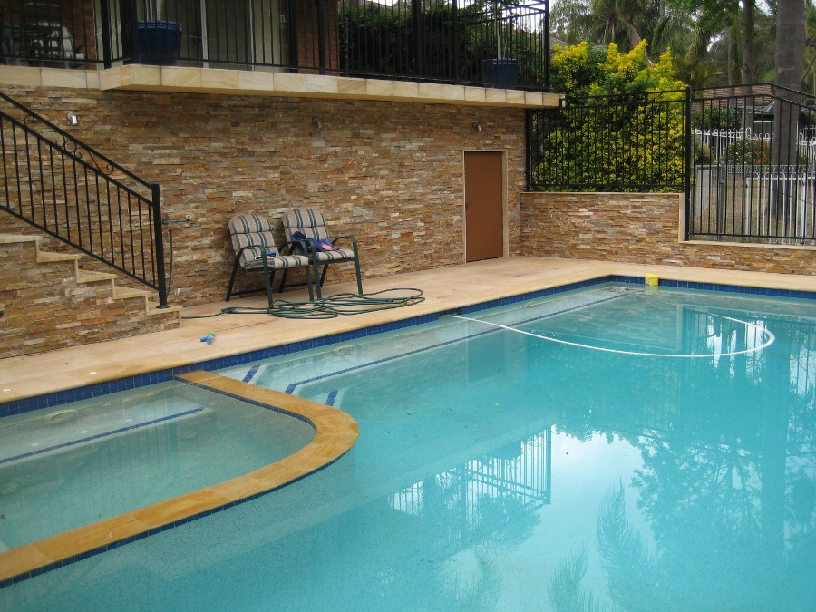 135 Quartzite Pool Area.jpg