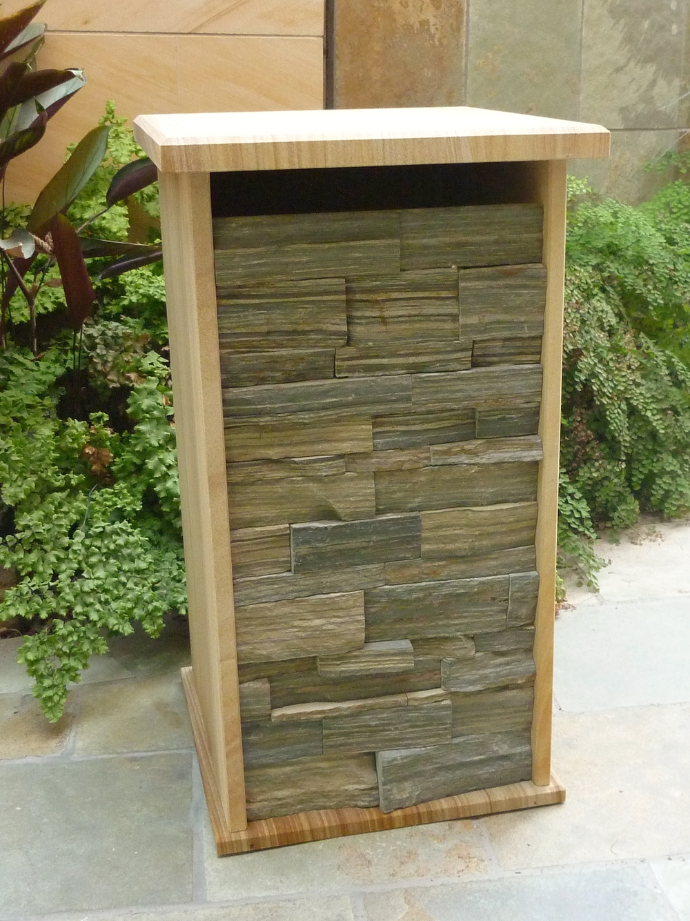 145 extra large letterbox with extra space for mail .JPG