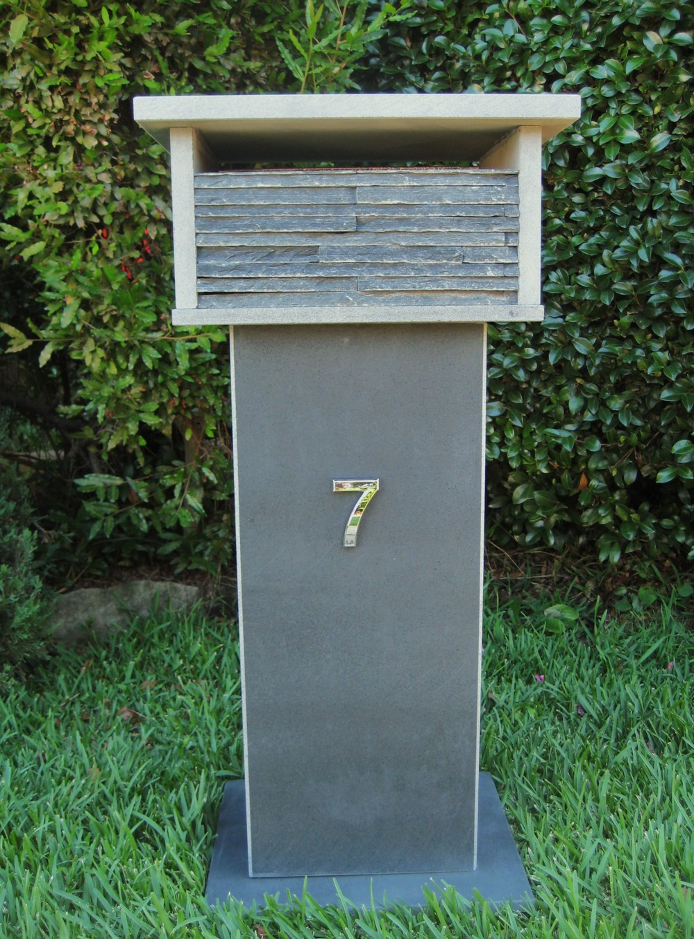 4. Bluestone Letterbox solid, aluminium back door with 2 key lock 860cm high top part mesure 300mm x 400mm. $500