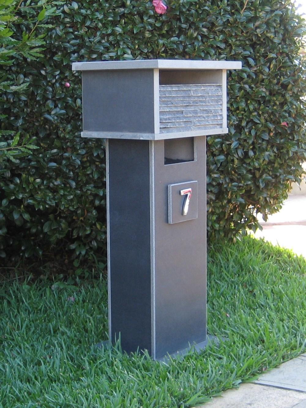 7. Bluestone letterbox solid, aluminium back door with 2 key lock 860cm high top part mesure 300mm x 400mm. $560