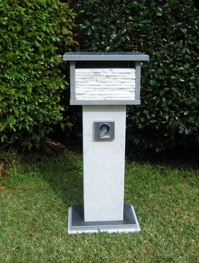 71. Bluestone,quartzite combination. 2 key aluminium back door , size 900x400x300 $520