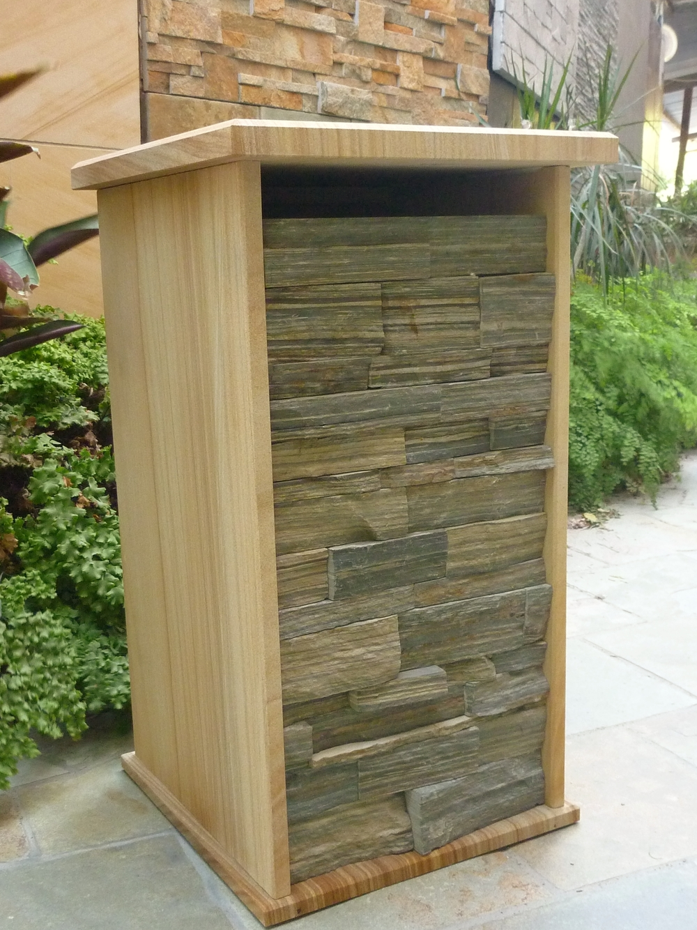 96. customized letterbox extra large envelops. 380x325mm floor size inside. Outside dimentions 430x410x850mm. $710