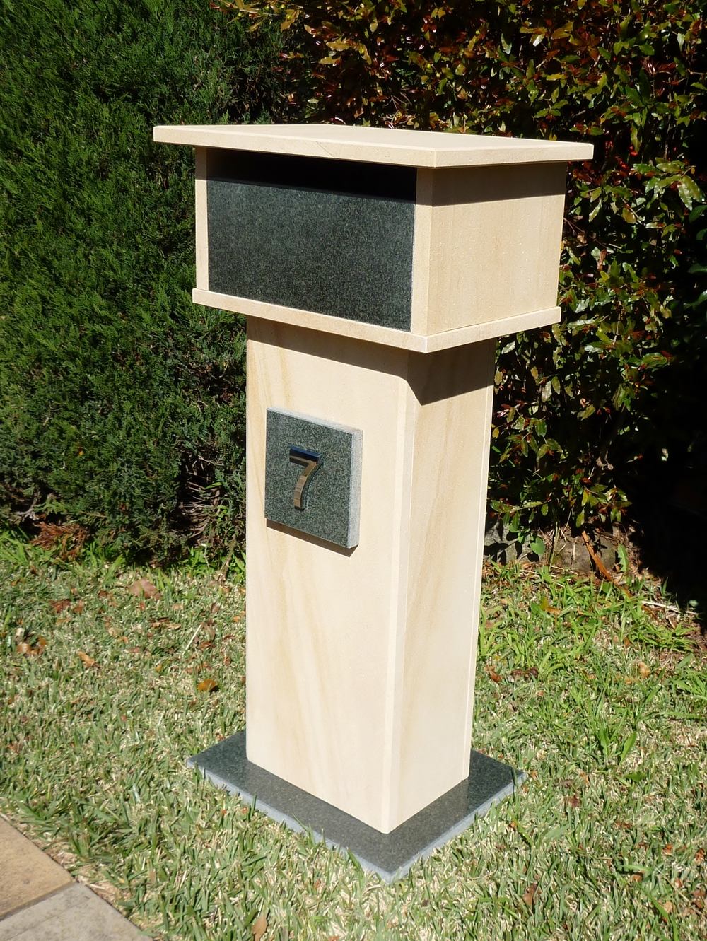 109. Sandstone with granite front, aluminium back door with 2 key lock lock 400x300x850 $440