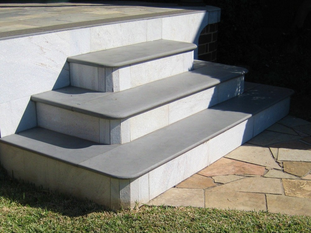 3. 20mm, 30mm and 40mm thick honed Mongolian Black steps are excellent for heritage buildings. It is popular combined with tessellated tiles as patio edging.