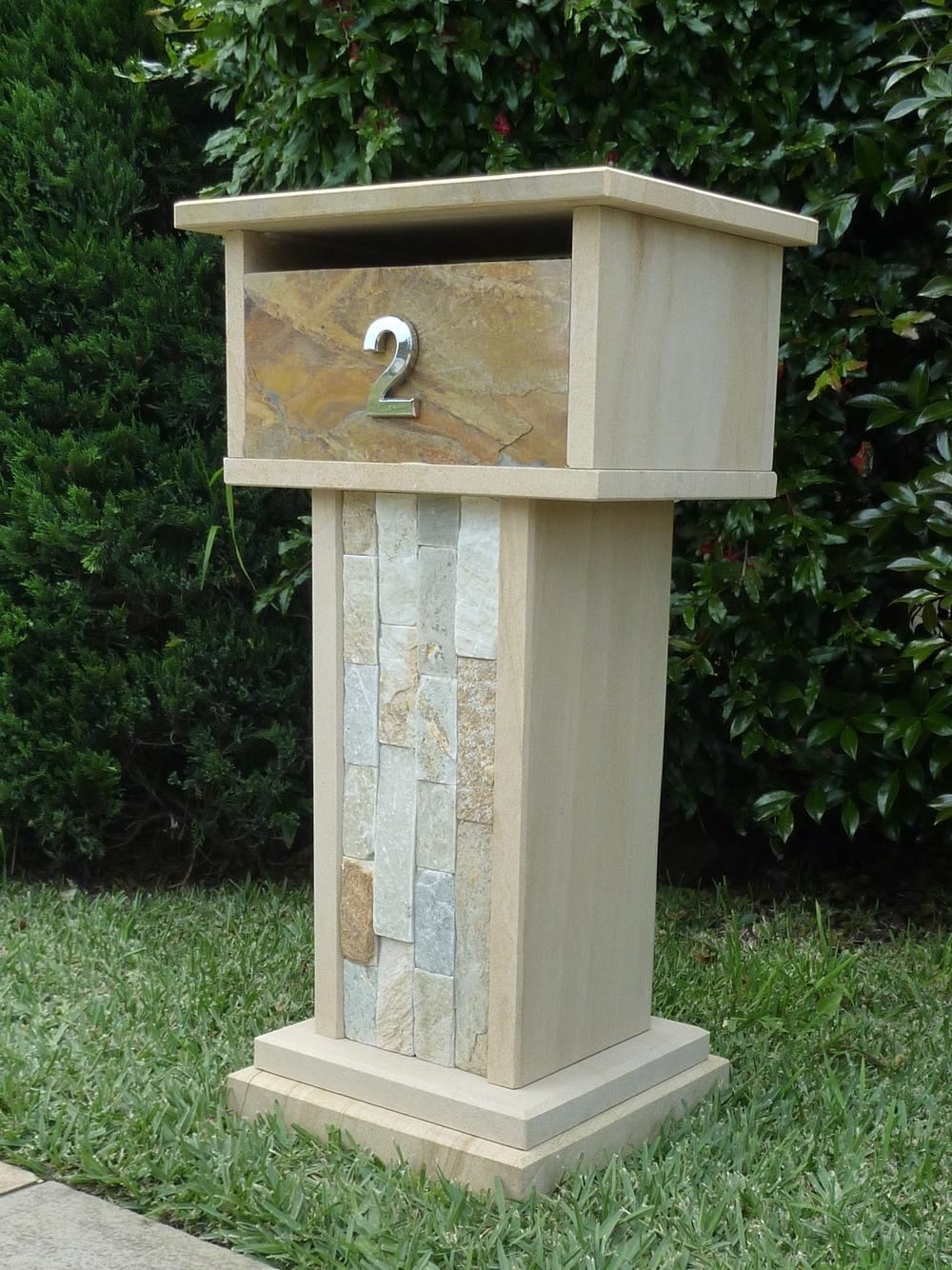 010  sandstone stacker combination aluminium door with 2 keys. size 400x300x850mm .JPG