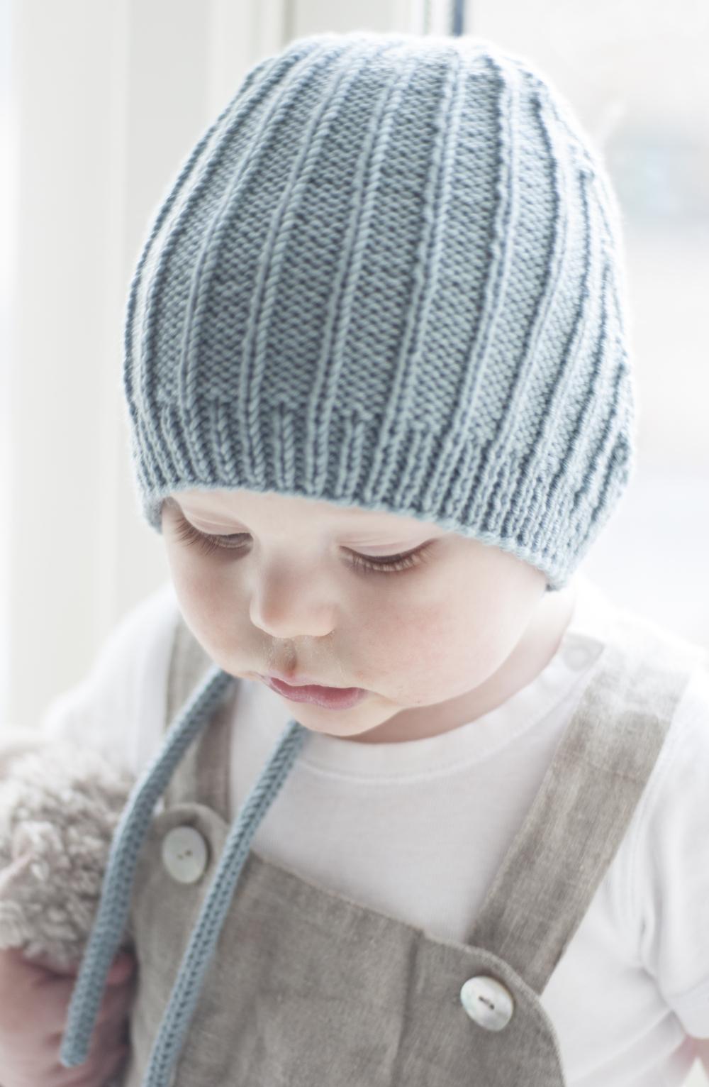 Birkelue  er god å ha for de minste, den er nett, sitter godt på hodet og er morsom å strikke.Strikket i Lerke har du en deilig lue fra vår til høst.