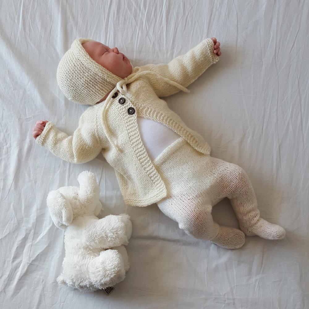 Strikkejakke til baby