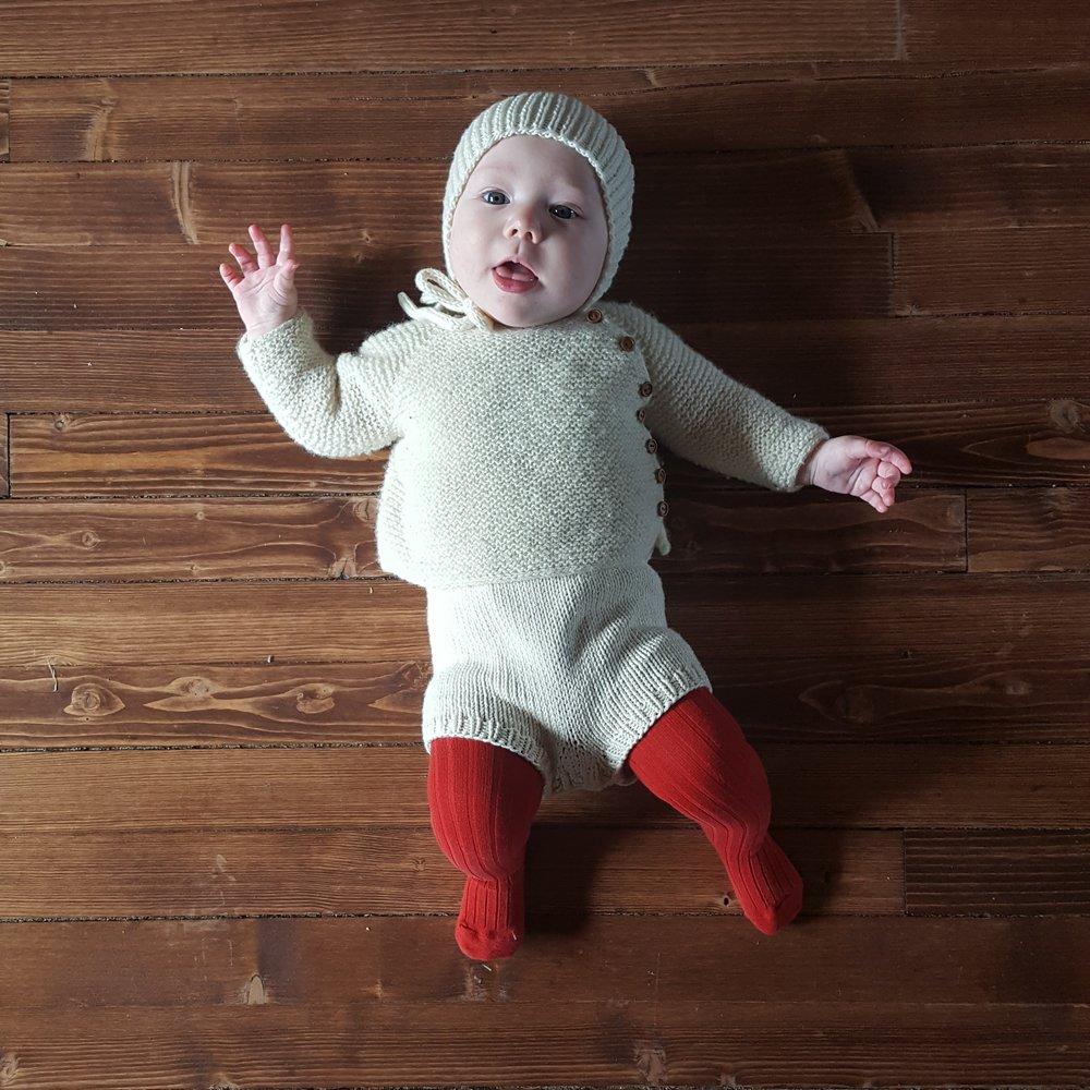 Liten rillejakke til baby