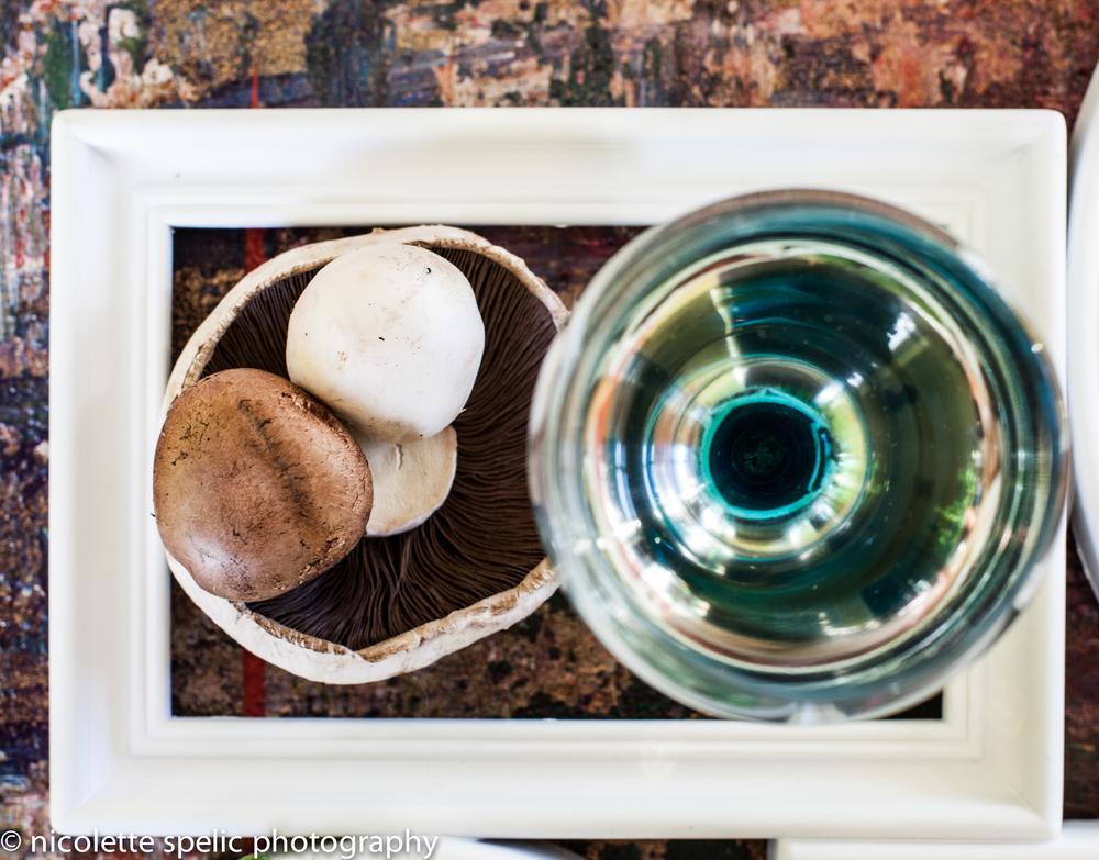 mushroom_white_wine_frame.jpg