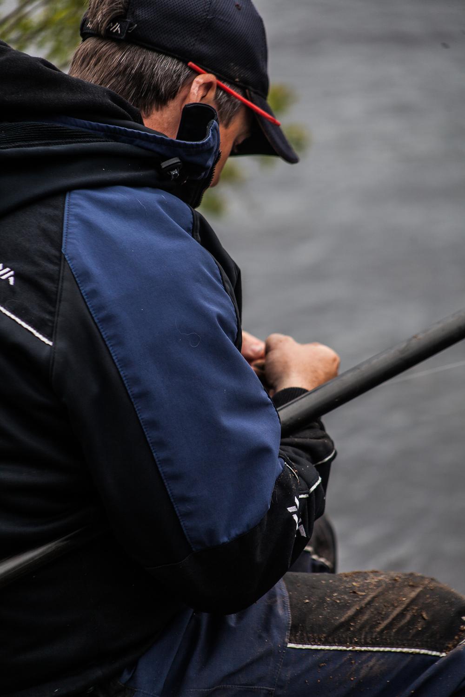 Fishing_Champion_Cathal_Hughes_visit_May2nd2016-10.jpg