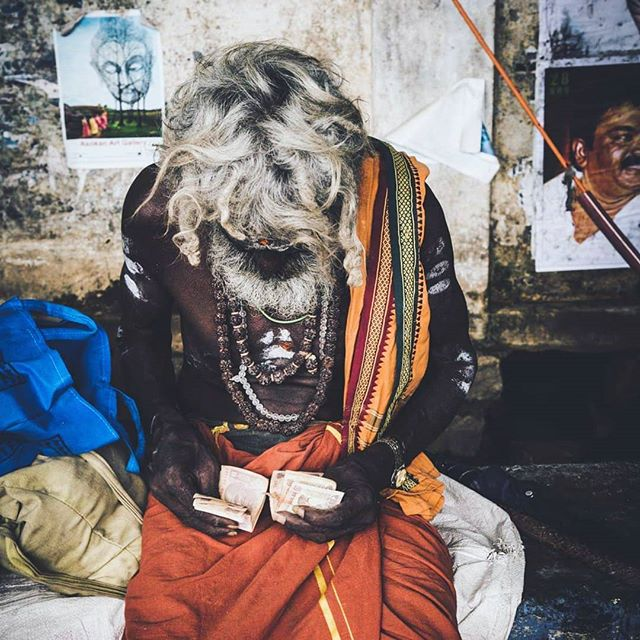 "Only one more sleep to a glass of wine... ehm... my India exhibition ""Mother India"". I hope to see you all tomorrow from 7pm at Rummage in Roscommon town.  There will be wine but also non alcoholic drinks from 7pm :) xx  #tiruvannamalai #india #photography #exhibition #Roscommon"