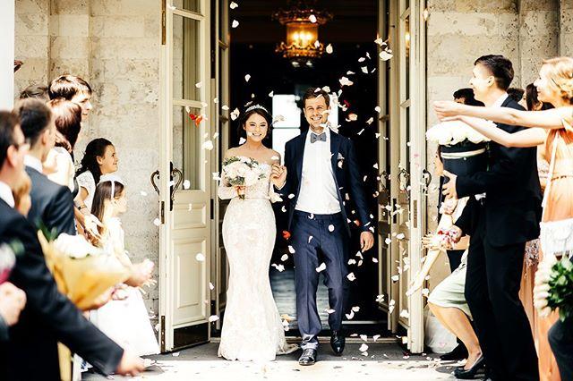 14. --- #свадебноеплатье #weddingfashion #свадьбамосква #свадьба #невеста #фотографнасвадьбу #фотографмосква #свадебныйфотограф #свадебныепрически #mood #portrait #weddingmoscow #bride #dress #платье #wedding #weddingdress #mywed #moscowwedding #портрет #фотосессия #moscow #bw #emotions #happy #помолвка #engagement #lovestory #лавстори #семья
