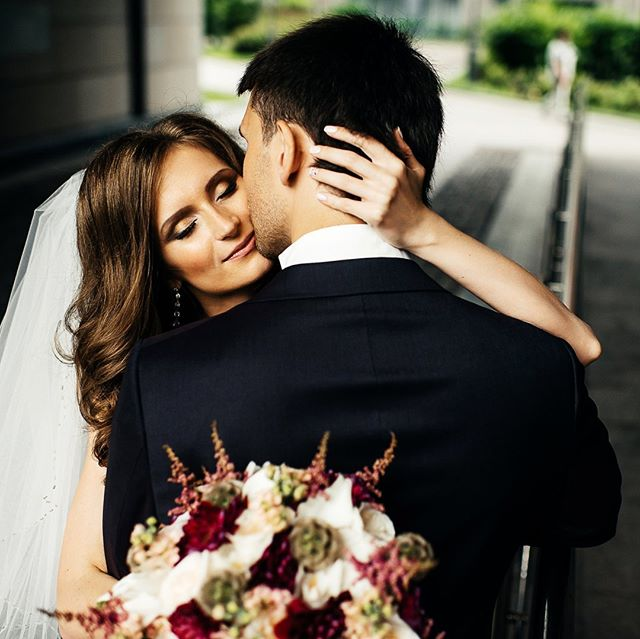 9.❤️ --- #свадебноеплатье #weddingfashion #свадьбамосква #свадьба #невеста #фотографнасвадьбу #фотографмосква #свадебныйфотограф #свадебныепрически #mood #portrait #weddingmoscow #bride #dress #платье #wedding #weddingdress #mywed #moscowwedding #портрет #фотосессия #moscow #bw #emotions #happy #помолвка #engagement #lovestory #лавстори #семья
