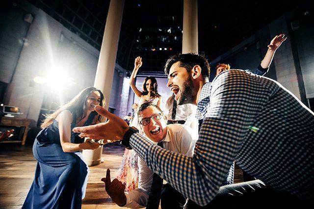 8. --- #свадебноеплатье #weddingfashion #свадьбамосква #свадьба #невеста #фотографнасвадьбу #фотографмосква #свадебныйфотограф #свадебныепрически #mood #portrait #weddingmoscow #bride #dress #платье #wedding #weddingdress #mywed #moscowwedding #портрет #фотосессия #moscow #bw #emotions #happy #помолвка #engagement #lovestory #лавстори #семья