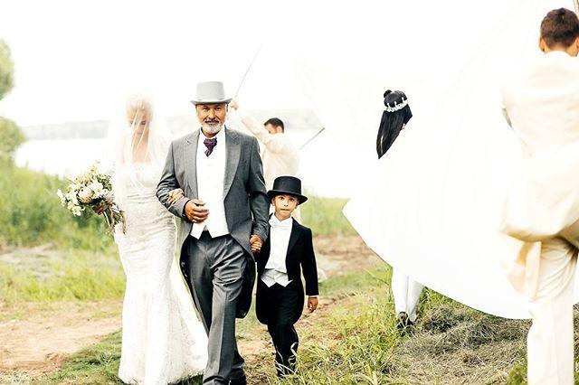 2. --- #свадебноеплатье #weddingfashion #свадьбамосква #свадьба #невеста #фотографнасвадьбу #фотографмосква #свадебныйфотограф #свадебныепрически #mood #portrait #weddingmoscow #bride #dress #платье #wedding #weddingdress #mywed #moscowwedding #портрет #фотосессия #moscow #bw #emotions #happy #помолвка #engagement #lovestory #лавстори #семья