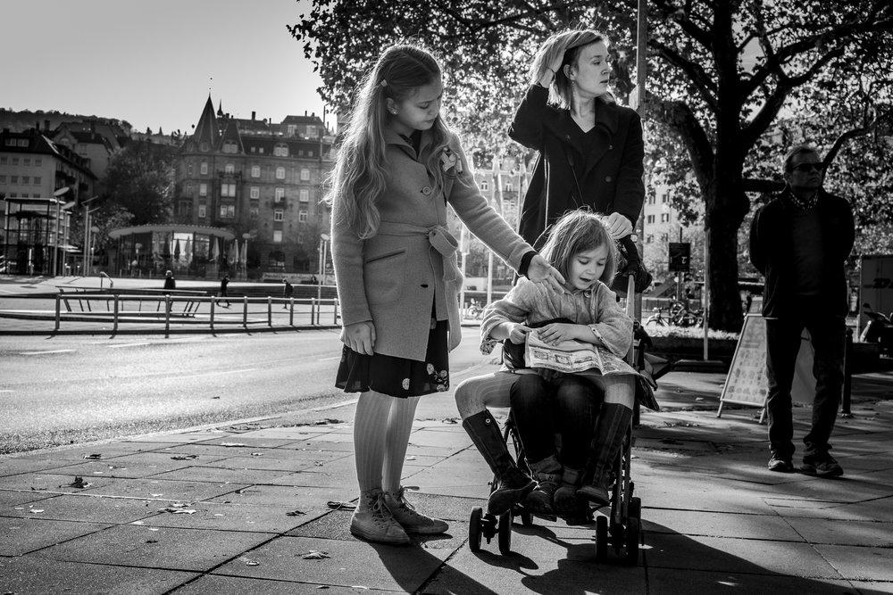 Eines meiner liebsten Familienfotos - Geschwister draussen in Stuttgart