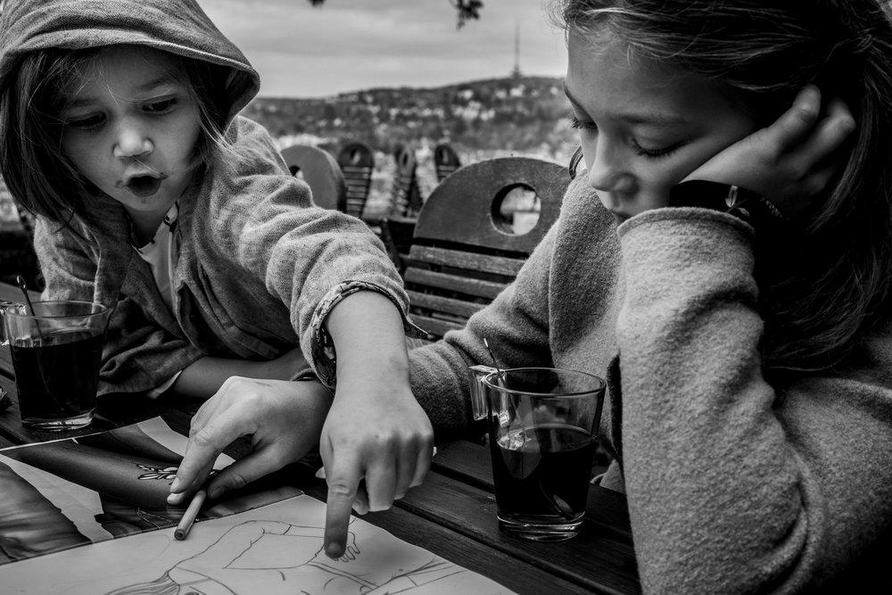 Eines meiner besten Familienfotos - draussen in Stuttgart dokumentarisch fotografiert