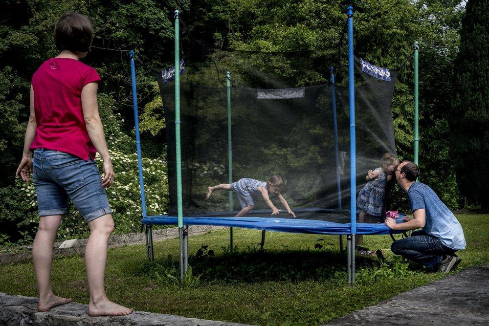 Familienfotos draussen | Familienfotografin Freiburg