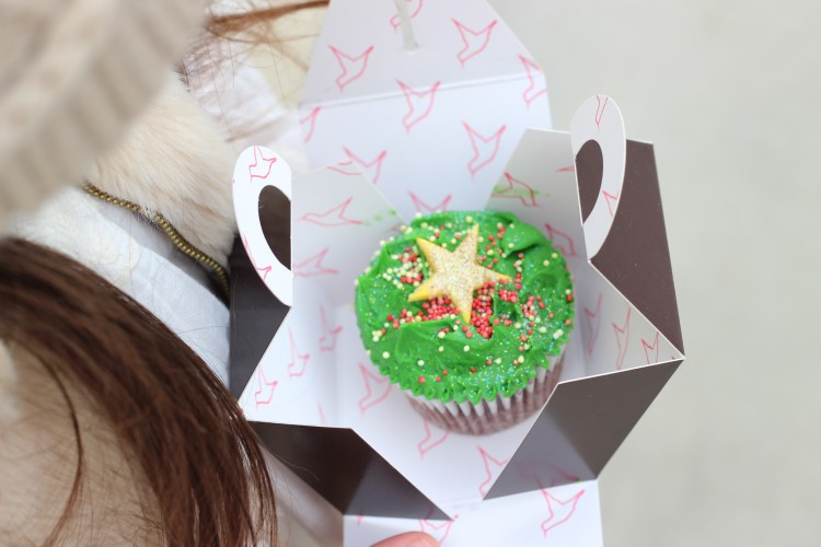 Mummy Blog -christmas cupcake hummingbird bakery