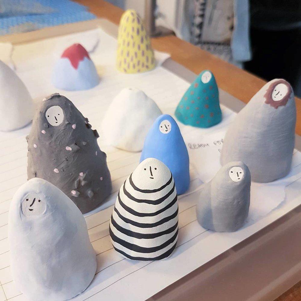 ceramic porcelain figures glazed