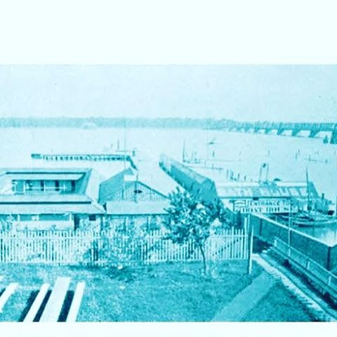 Beller's bath house on Jefferson north of Belle Isle bridge was Detroit's first outdoor pool. The wood structure in the Detroit river that consisted of bathhouses and piers offered separate areas for women and men and opened in 1877. #dipndivedetroit #public #detroitriver #outdoorswimmingindetroit #swimminginnaturalwaters