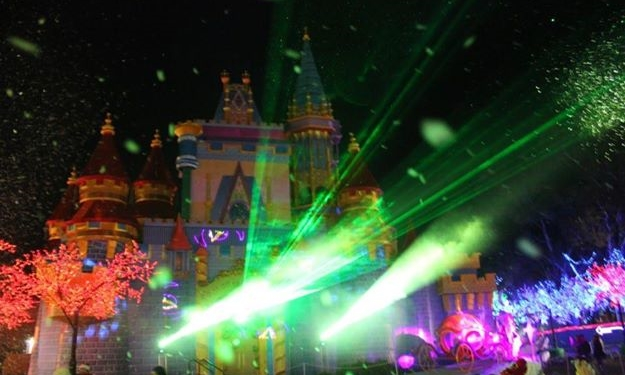 outdoor laser show with lighting graphics beams and moving head lighting.jpg