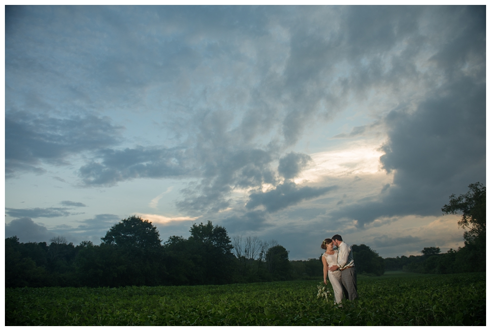 Pennsylvania Weddings | Clem's Pavilion | Real weddings, engagements and inspiration for the modern PA Bride | www.redoakweddings.com