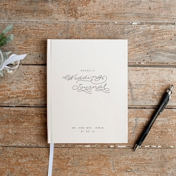 Paper Wedding Planners + Tools for saying I do | Red Oak Favorites | Real Weddings, Engagements, Inspiration, advice & more! redoakweddings.com
