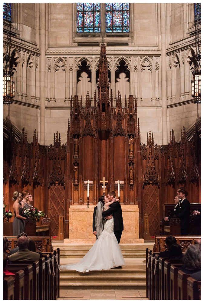 Pennsylvania Weddings | Heinz Chapel, Pittsburgh | Real weddings, engagements and inspiration for the modern PA Bride | www.redoakweddings.com