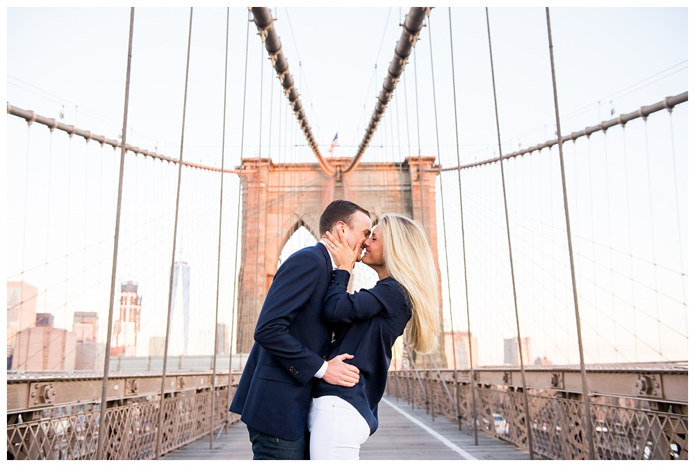 New York Engagement | Brooklyn Bridge, NY, NY | Real weddings, engagements and inspiration for the modern NY Bride | www.redoakweddings.com