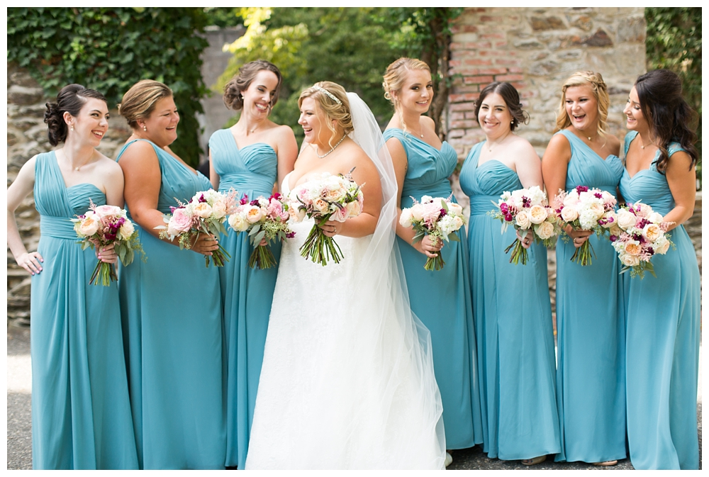 Pennsylvania Weddings | Rose Valley, PA | Real weddings, engagements and inspiration for the modern PA Bride | www.redoakweddings.com