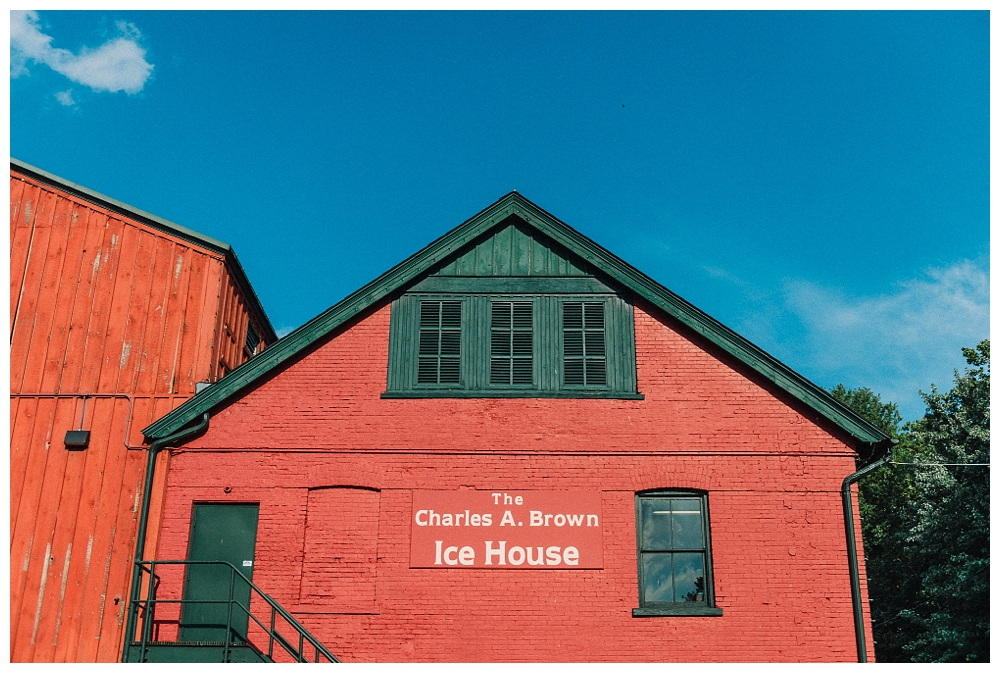 Pennsylvania Weddings | Charles A. Brown Ice House | Real weddings, engagements and inspiration for the modern PA Bride | www.redoakweddings.com