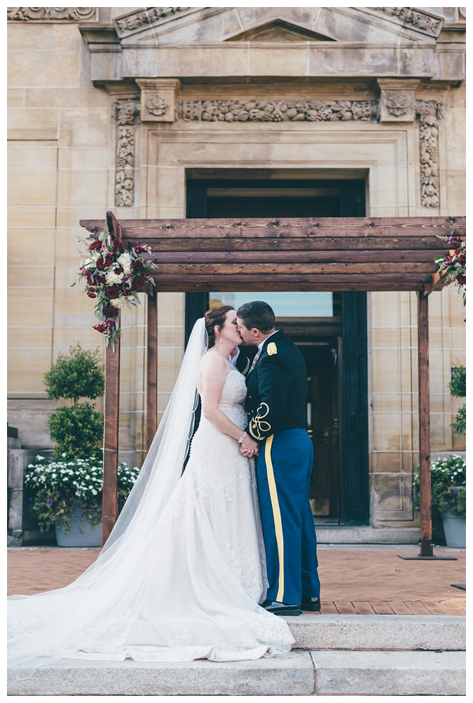 Pennsylvania Weddings | Pittsburgh, PA | Real weddings, engagements and inspiration for the modern PA Bride | www.redoakweddings.com