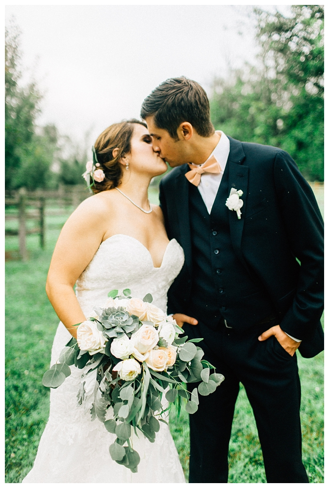 Pennsylvania Weddings | Ironstone Ranch, Elizabethtown, PA | Real weddings, engagements and inspiration for the modern PA Bride | www.redoakweddings.com
