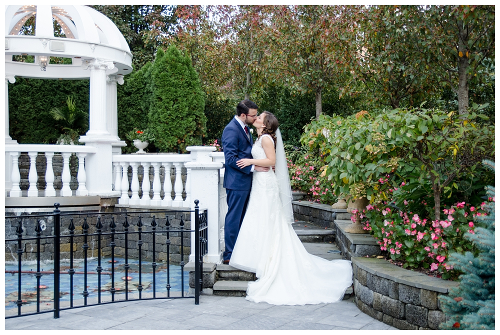 New Jersey Photographer | New Jersey | Real weddings, engagements and inspiration for the modern NJ Bride | www.redoakweddings.com