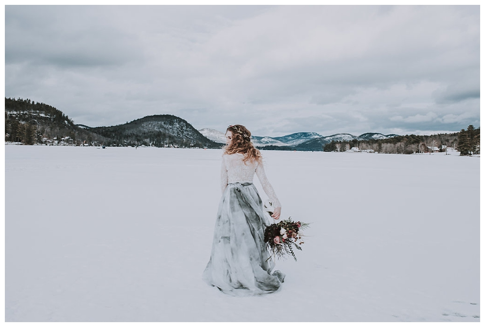 New York Wedding Inspiration | Jimbo's Club At The Point, Brant Lake, NY | Real weddings, engagements and inspiration for the modern NY Bride | www.redoakweddings.com
