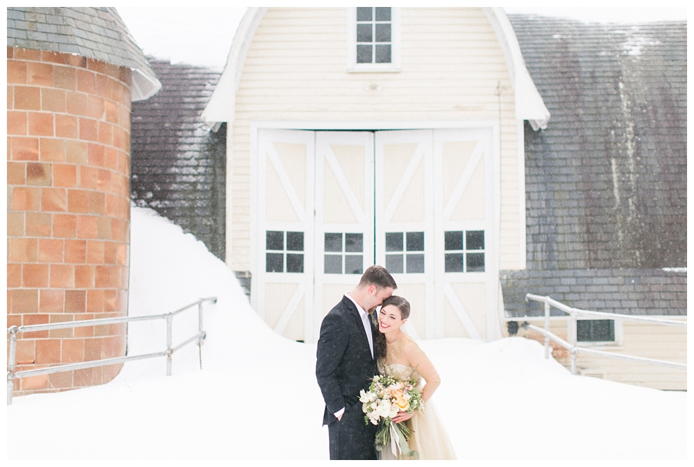 Winter Wedding Inspiration | Pennsylvania | Real weddings, engagements and inspiration for the modern PA Bride | www.redoakweddings.com