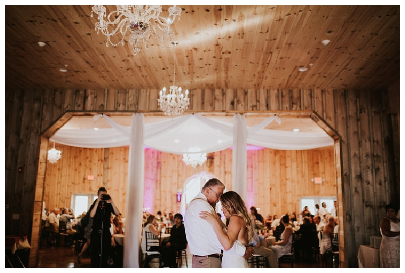 New York Weddings | Wolf Oak Acres, Oneida, NY | Real weddings, engagements and inspiration for the modern NY Bride | www.redoakweddings.com