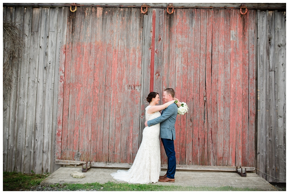 Pennsylvania Weddings | Fiddle Lake Farm, Thompson PA  | Real weddings, engagements and inspiration for the modern PA Bride | www.redoakweddings.com