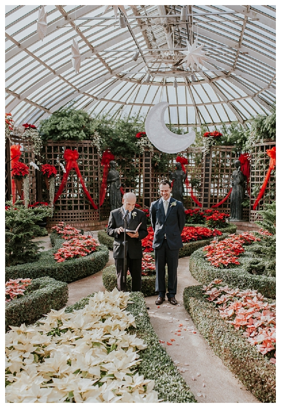 Pennsylvania Wedding | Phipps Conservatory And Botanical Gardens |  Pittsburgh, PA | Www.redoakweddings