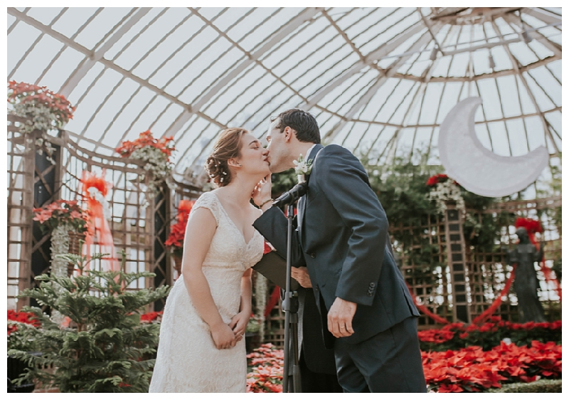 Pennsylvania Wedding | Phipps Conservatory and Botanical Gardens | Pittsburgh, PA | www.redoakweddings.com