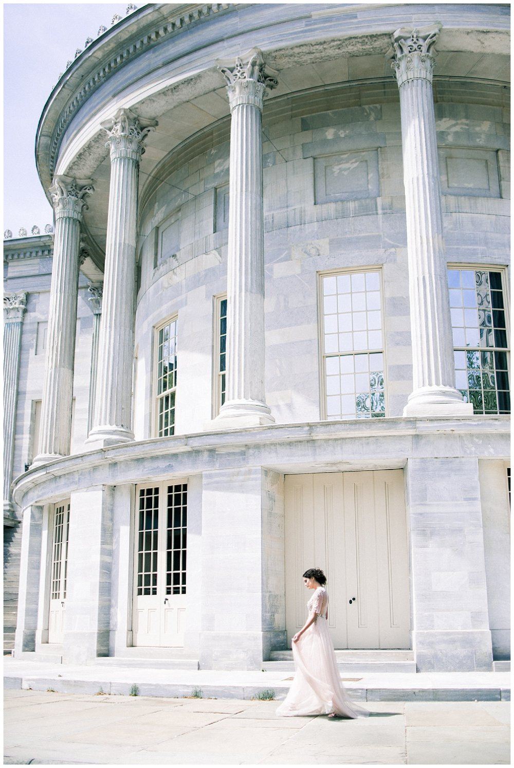 Philadelphia Wedding Inspiration | Merchants' Exchange Building | Philly Weddings | www.redoakweddings.com