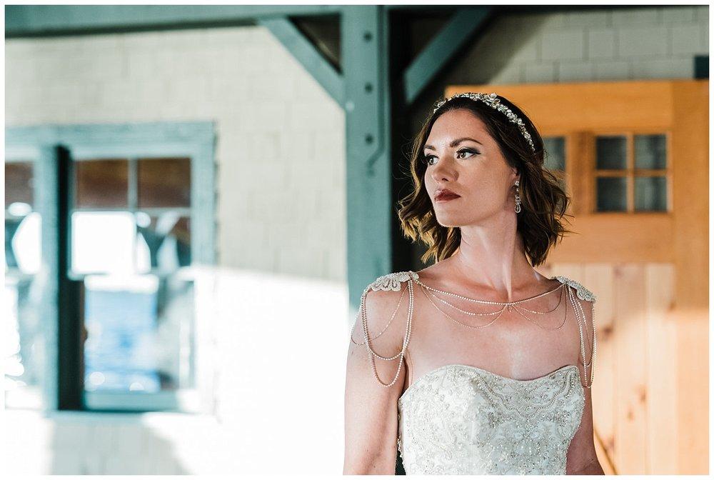 Gatsby Wedding Inspiration | Upstate NY Weddings | Antique Boat Museum | Clayton, NY | www.redoakweddings.com