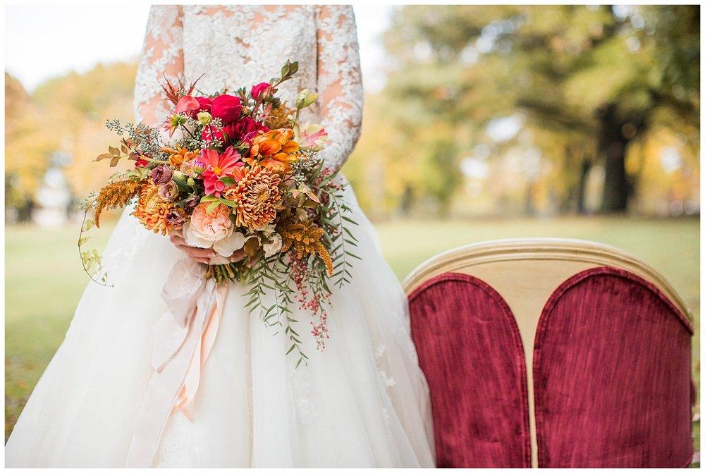 Pittsburgh Fall Wedding Inspiration | Schenley Park, Pittsburgh PA | www.redoakweddings.com