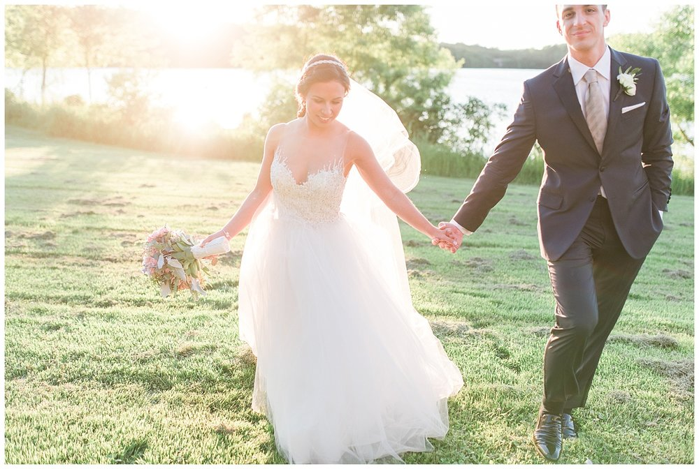 Pennsylvania Summer Wedding | Serenity Blue + Rose Quartz | The Lake House Inn | Perkasie, PA | www.redoakweddings.com