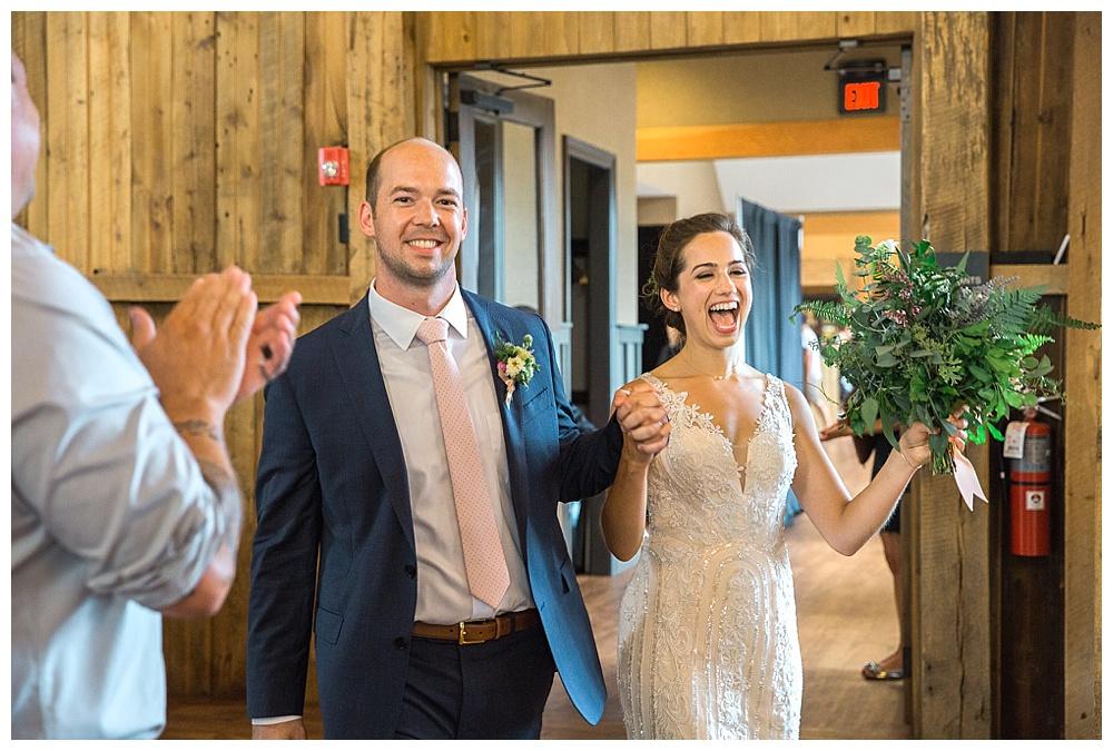 Central New York Weddings | Red Barn 20 at Windridge Estate | Cazenovia, NY | Syracuse Weddings | www.redoakweddings.com