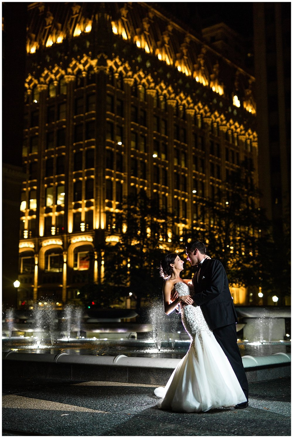 Downtown Pittsburgh Wedding | Embassy Suites Pittsburgh | Black Tie Pittsburgh Wedding | www.redoakweddings.com